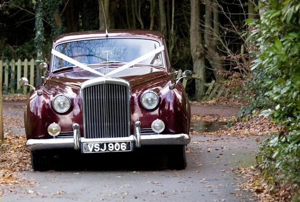 A really classic wedding car&nbsp;&nbsp;&nbsp; - &nbsp;&nbsp;&nbsp;<small>&copy;&nbsp;&nbsp; Schutters Photography&nbsp;</small>