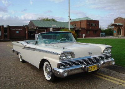 Classic & Vintage Weding Cars - Wedding Car rentals near Farnham - Vintage Wedding Crs (14 of 110)