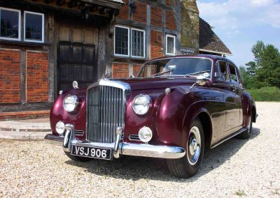 Classic & Vintage Weding Cars - Wedding Car rentals near Farnham - Vintage Wedding Crs (2 of 110)