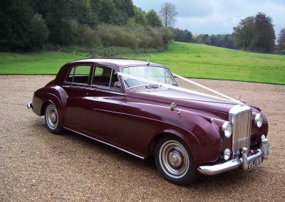 Classic & Vintage Weding Cars - Wedding Car rentals near Farnham - Vintage Wedding Crs (4 of 110)