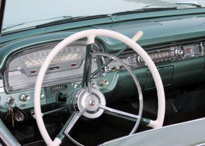 Classic & Vintage Weding Cars - Wedding Car rentals near Farnham - Vintage Wedding Crs (59 of 110)
