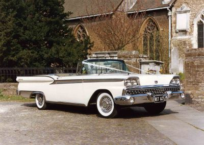 Classic & Vintage Weding Cars - Wedding Car rentals near Farnham - Vintage Wedding Crs (6 of 110)