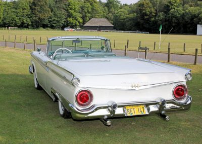 Classic & Vintage Weding Cars - Wedding Car rentals near Farnham - Vintage Wedding Crs (60 of 110)